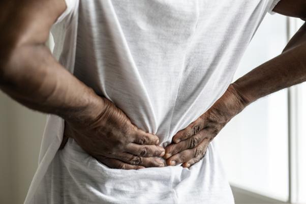 Nervo ciático: O que pode ser, causas, e tratamento
